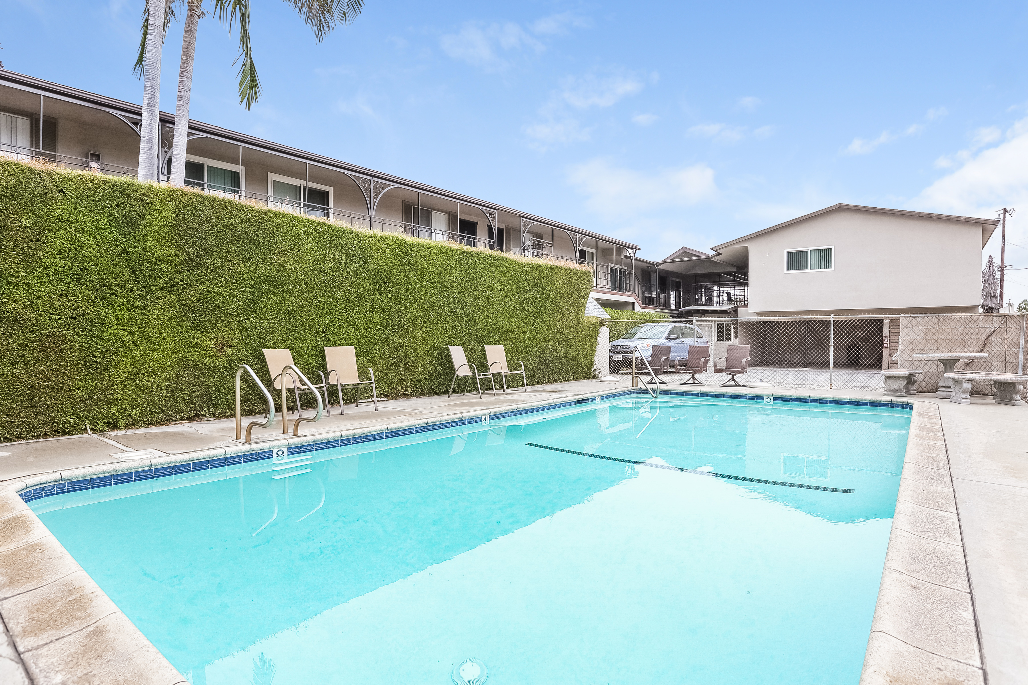 2 Bdrm 1 Bath Oleander Court Apartments Barbera